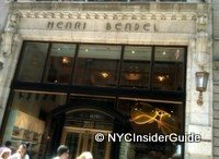 Shopping in NYC | Henri Bendel