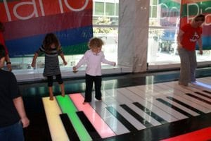 FAO Schwarz BIG Keyboard