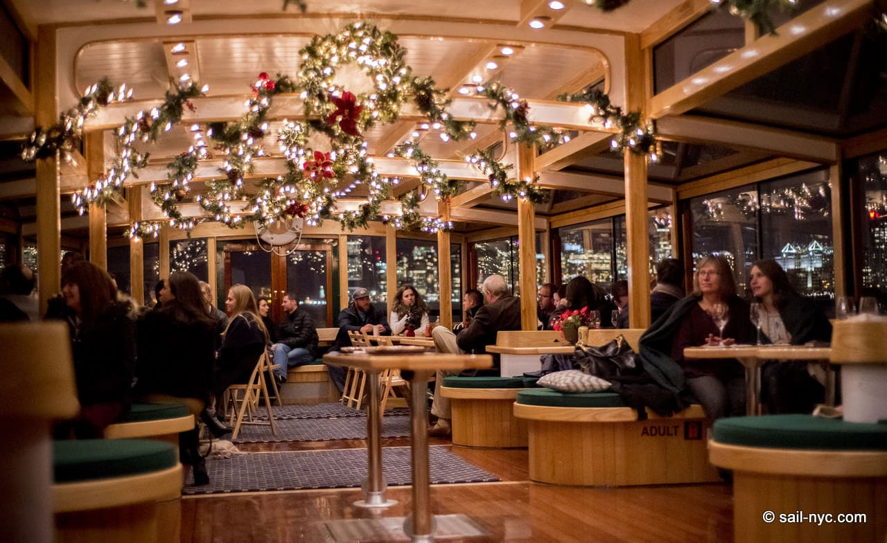 Christmas Restaurant Nyc.Best Christmas In New York City Dinner Attractions Shows