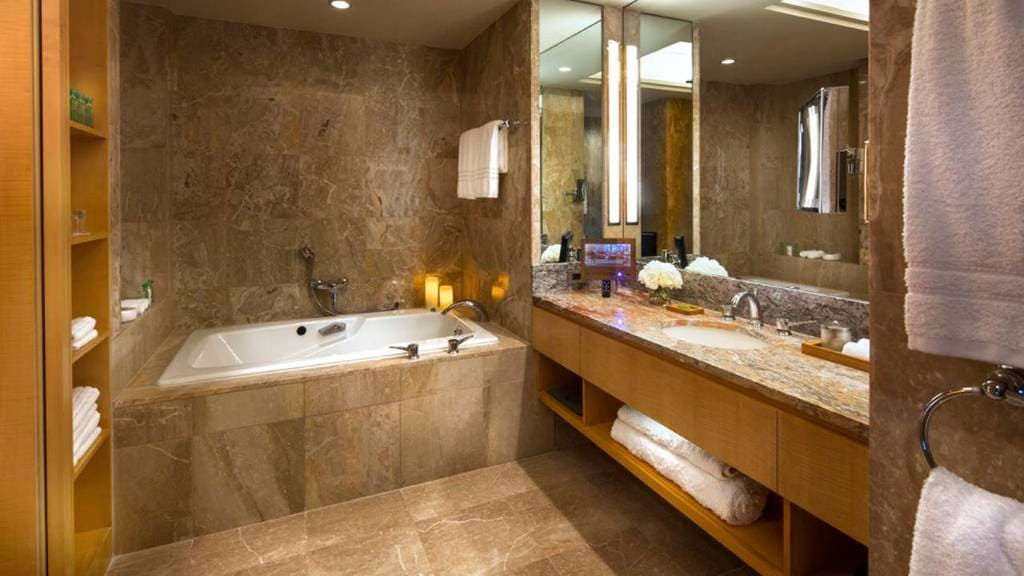 Four Seasons New York Jacuzzi